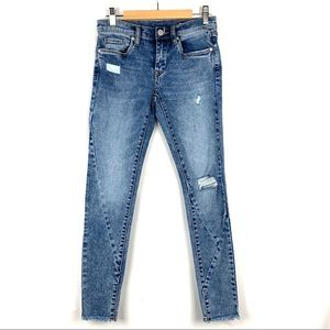 BLANK NYC The Reade Mid Rise Skinny Crop Jeans